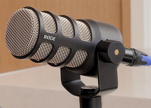 rode podmic dynamic podcasting microphone. Black Bedroom Furniture Sets. Home Design Ideas